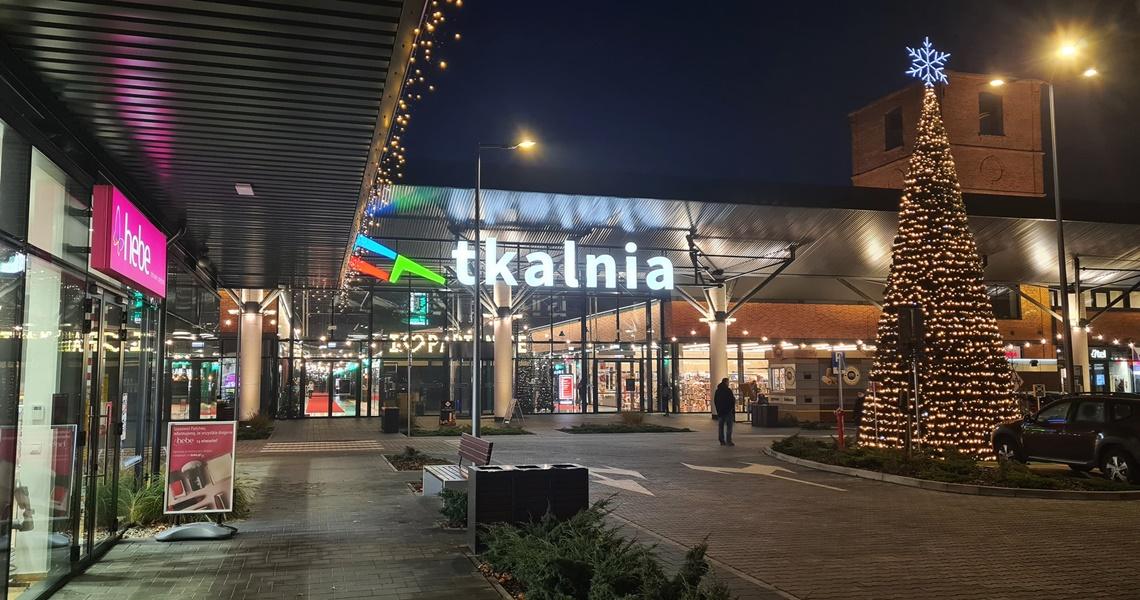 Wyprzedaże i świąteczne klimaty w Tkalni w Pabianicach